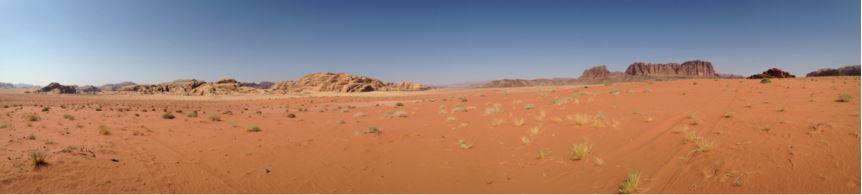 Sand und Felsen, soweit das Auge reicht – das Wadi Rum im Süden Jordaniens.