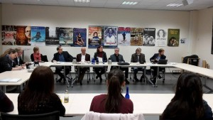 Von links: Miriam Klein (Organisatorin), Prof. Karl Prümm (Initiator), Richard Laufner (Kulturamtsleiter), Dr. Kerstin Weinbach (Stadträtin), Hubert Hetsch (Kammer-Filmkunsttheater), Rüdiger Laske (Berufsverband Kinematografie) und Malte Hagener (Organisator)