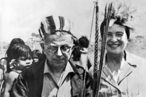 """Simone de Beauvoir über die Beziehung mit Sartre: """"Statt eines Duos waren wir von nun an ein Trio. Wir waren der Ansicht, dass die menschlichen Beziehungen dauernd neu erfunden werden müssten, dass keine Form a priori privilegiert, keine unmöglich sei; diese schien uns zwingend."""" FOTO: Welt.de"""